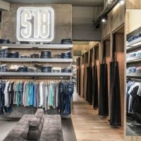 Bild Blick nach rechts im Store